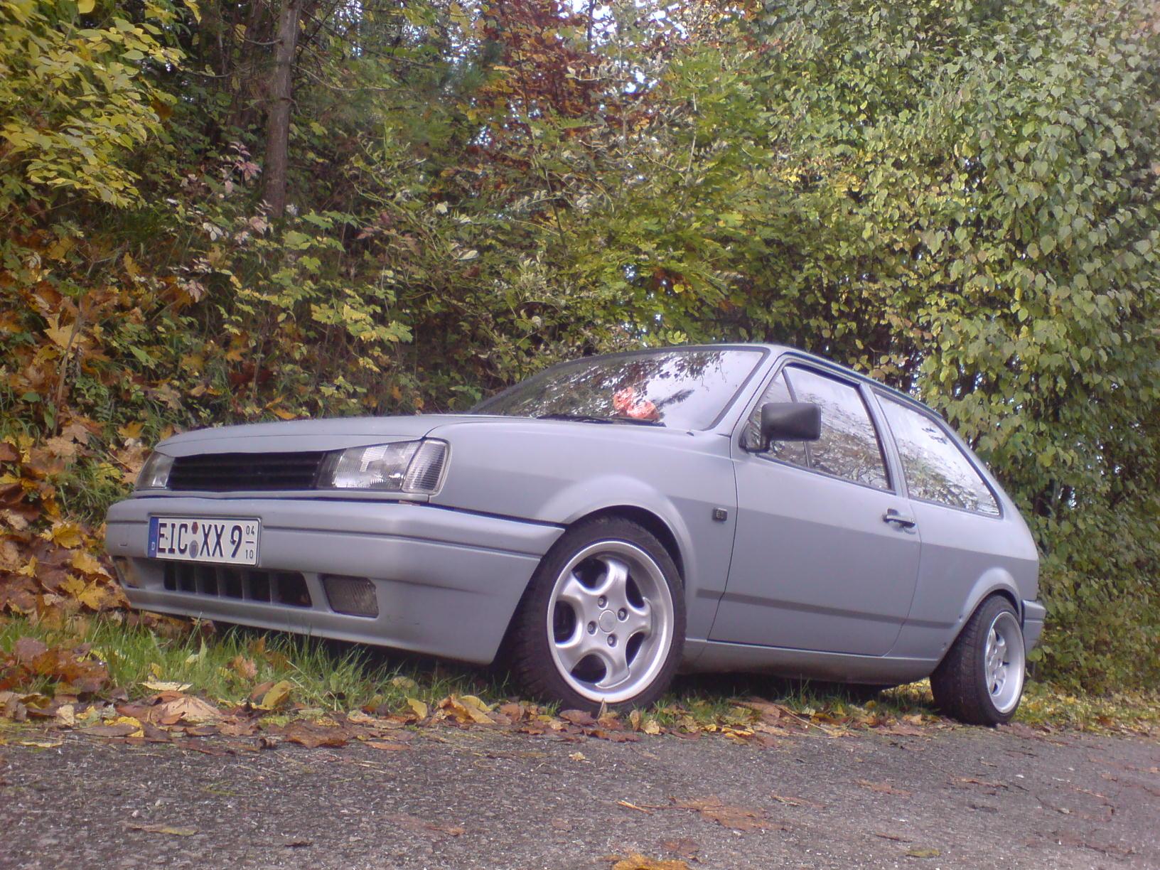 auto rollen in mattschwarz : polo 86 / 86c / 2f :